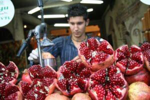 pomegranatejuicemake