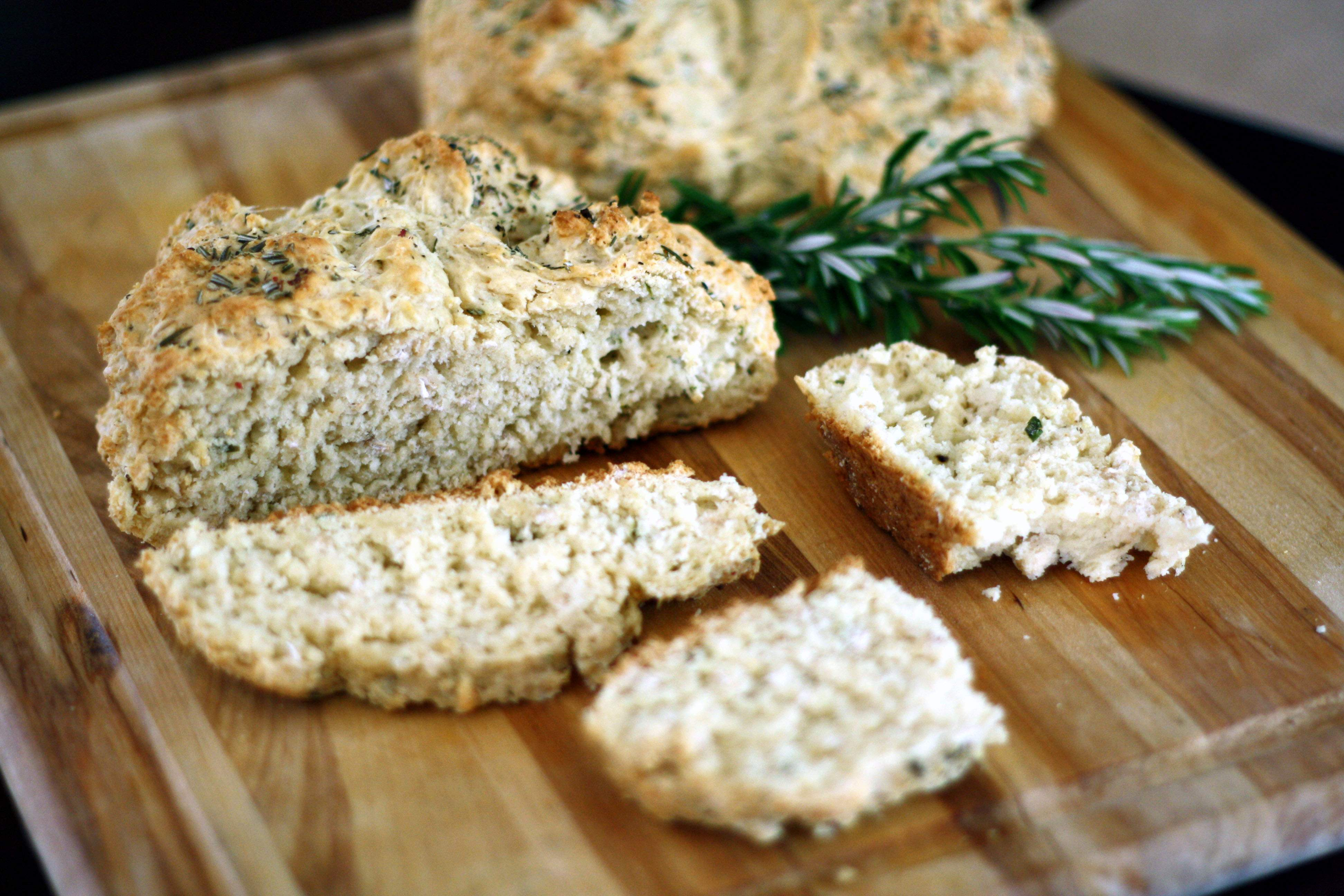 Easy Irish Soda Bread Rolls (Yeast-Free) - WorldRD® by Layne ...
